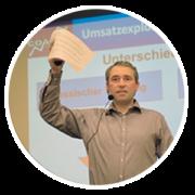 Heiko T Ciesinski bei einem Seminar zur Umsatzexplosion